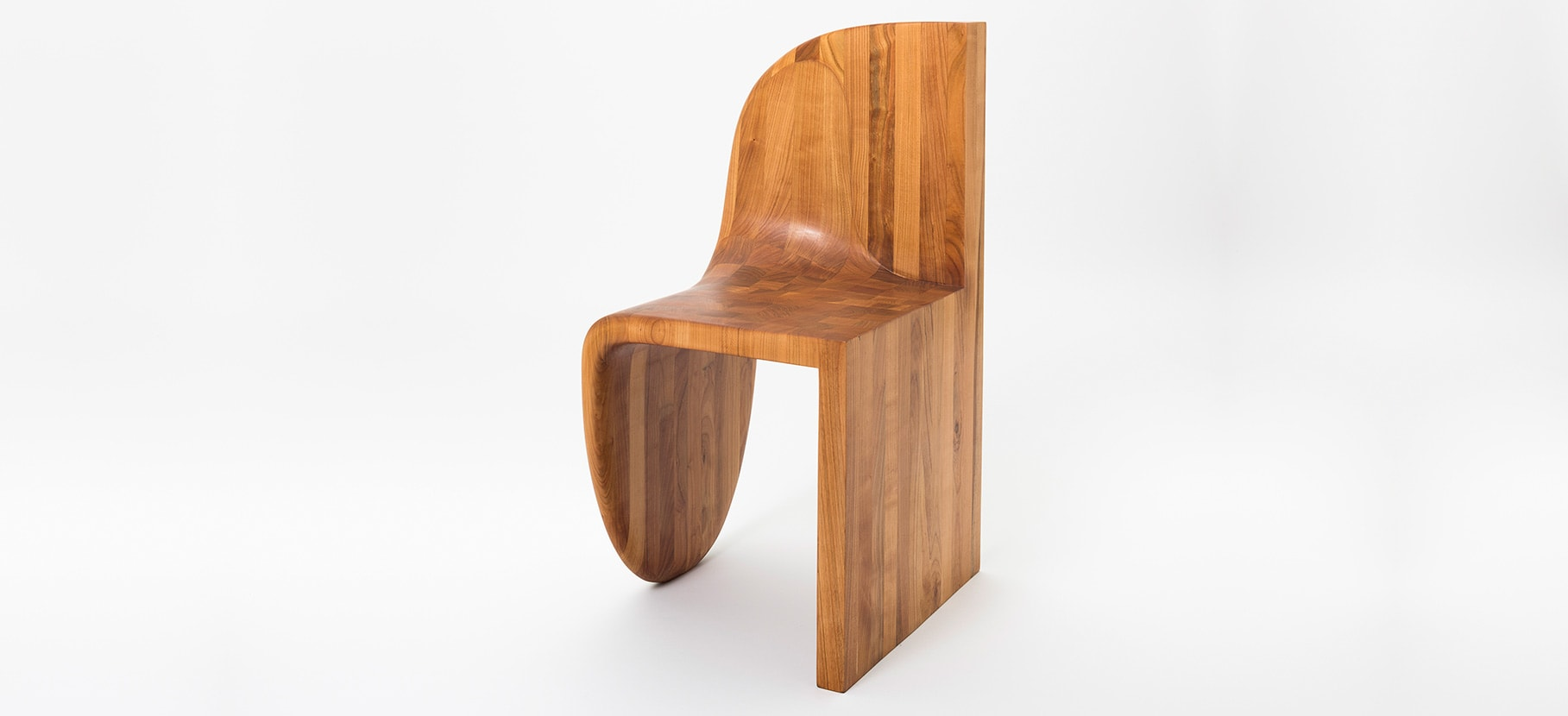 Poly_Chair_Main_1