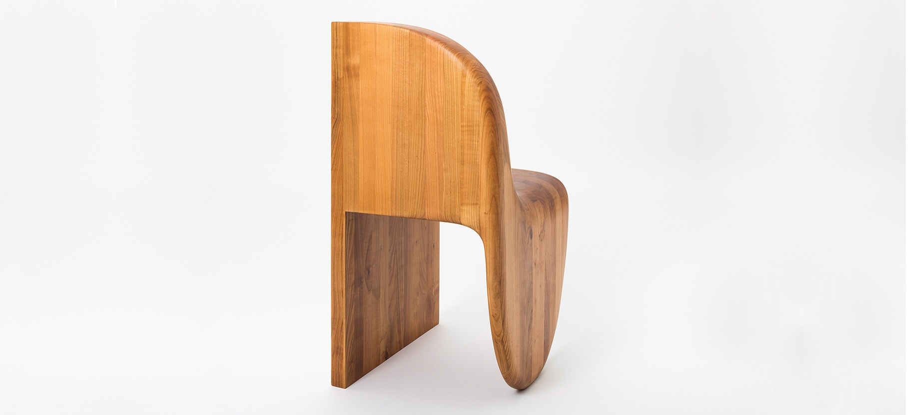 Poly_Chair_Main_2