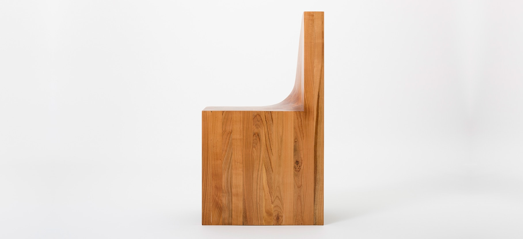 Poly_Chair_Main_3